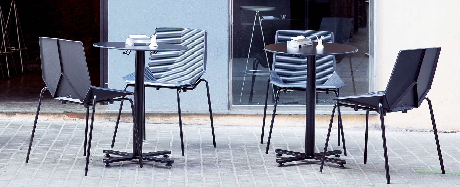 OXI BISTROT Outdoor Tables